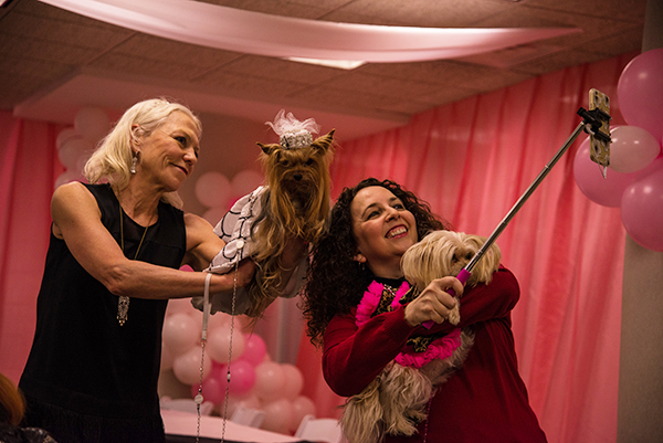 Getting a selfie in before the event begins. The dog that took home Most Photogenic last year, is still loving those pictures. Image via Cheyenne Cohen.