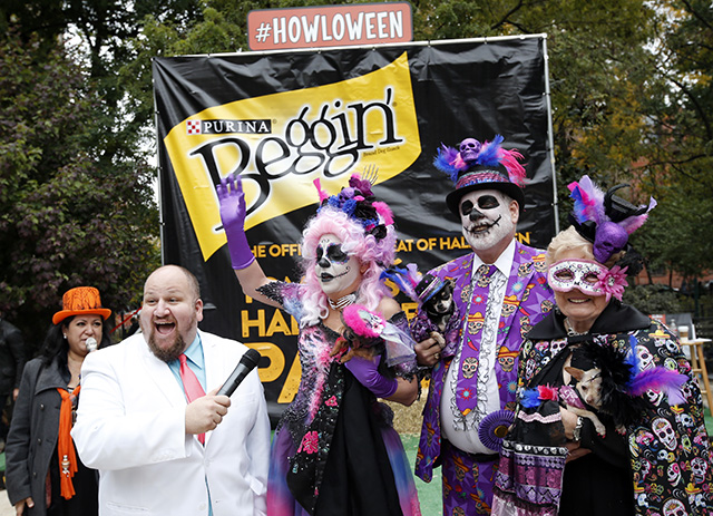 Day of the Dead, or Dia de los Muertos, take home first place. Photo by Jason DeCrow/Invision for Purina Beggin'/AP Images