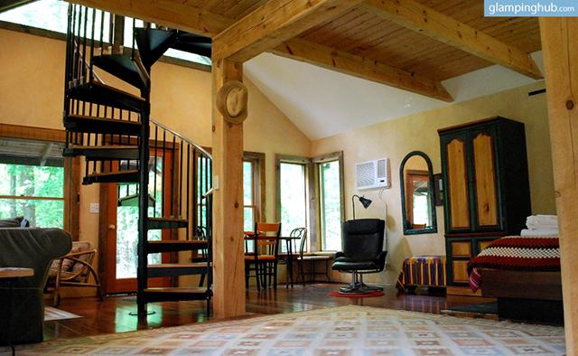 modern-renovated-barn-secluded-catskill-park-woodstock-ny-1
